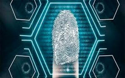 O leitor biométrico identifica, com segurança, cada morador na entrada do condomínio.